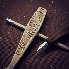 Carving all finished and tidied up, just gotta decide wether or not to paint now, what say you? #spooncarving #chipcarving