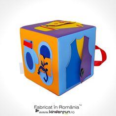 Cubul senzorial nu are margini dure și este fabricat folosind o spumă densă, acoperită cu un vinil moale la atingere, închis cu cusături ferme pentru a asigura că lateralele nu sunt îndepărtate.  #Cube #GetReady #SoftPlay Cubs, Toy Chest, Storage Chest, Education, Home Decor, Farm Gate, Decoration Home, Bear Cubs, Room Decor