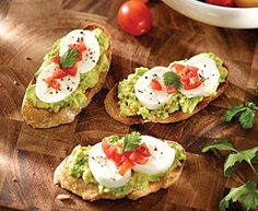 Avocado Pesto Bruschetta with Tre Stelle® Bocconcini - Tre Stelle Recipe Gallery Appetizers For Kids, Appetizer Recipes, Bruschetta, Avocado Pesto, Vegetarian Recipes, Healthy Recipes, Appetisers, Summer Salads, Eating Clean