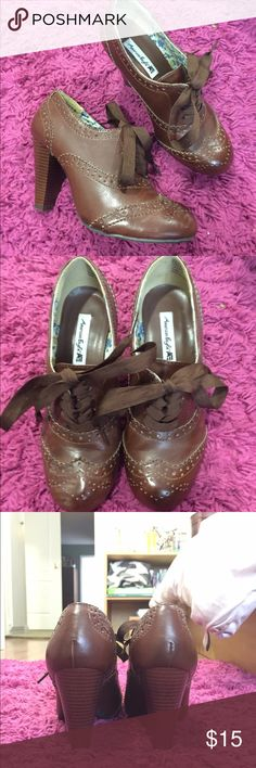 Brown Heeled Oxfords with Vintage Feel Only worn once to a 1920's themed party. Great for everyday wear or with a time-period costume. American Eagle Outfitters Shoes Heels