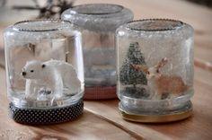 december: DIY Lav din egen jule-rystekugle - Color me Crazy My Crazy, Diy Crafts For Kids, Snow Globes, Christmas Crafts, Candle Holders, December, Clay, Candles, Creative