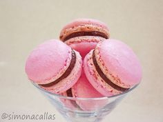 Macarons reteta simpla 4 Macaroons, Biscotti, Deserts, Good Food, Food And Drink, Sweets, Sugar, Snacks, Chocolate