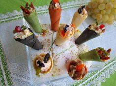 Cocinando para ellos : MINI CONOS COLORIDOS...