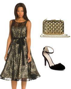 Look  con vestido de encaje, clutch dorado y zapato alto de tacón http://stylabel.com/style/celebration/249