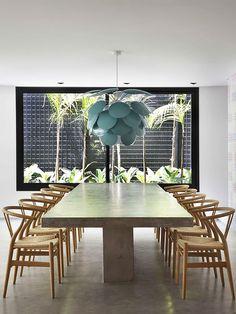 Sala de Jantar com Lustre. Arquiteto: Studio Guilherme Torres.