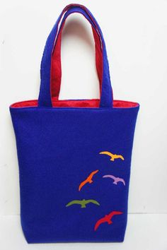 Felt Bag With Seagull - Handmade - Shoulder Felt Bag - Shopping Pouch - Gift Idea - Natural - Colorful Custom Tote Bags, Tote Bags Handmade, Handmade Felt, Fabric Gifts, Fabric Bags, Felt Purse, Felt Bags, Bag Making, Purses And Bags