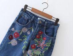 джинсы Материал хлопок, вышивка. S: от 66 см, об 82 см, длина 96 см. М: от 70 см | Женские брюки