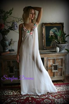 Bridal Chiffon Nightgown Bridal Sleepwear Wedding Lingerie Bridal Lingerie Chiffon Nightgown With Embroidered Flower Appliques Sexy Outfits, Cute Girl Outfits, Skirt Outfits, Pretty Lingerie, Wedding Lingerie, Wedding Underwear, Garter Wedding, Honeymoon Lingerie, Cotton Sleepwear