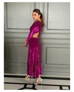 Bollywood Celebrities, Bollywood Actress, Sexy Legs And Heels, Anushka Sharma, Ranbir Kapoor, Shahrukh Khan, Indian Fashion, Most Beautiful, Photoshoot