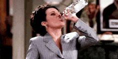 25 Ways To Live Life Like Karen Walker :) these quotes are hilarious.makes me wanna watch all the Will and Grace episodes all over again! You Smile, Broken Dreams, Drinking Gif, Drinking Games, Haha Funny, Hilarious, Funny Stuff, Funny Gifs, Drink Recipes