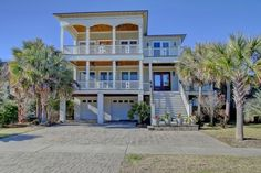 5 bed, elevator pool across from beach, no yard, rooftop deck ? size
