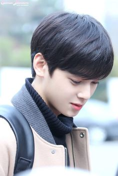So handsome - Best Hair ideas! Korean Star, Korean Men, Korean Celebrities, Korean Actors, Cha Eunwoo Astro, Lee Dong Min, Sanha, Haircuts For Men, Handsome Boys