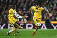 Mario Mandzukic of Juventus controls the ball during the UEFA Champions League Quarter Final Second Leg match between Real Madrid and Juventus at Estadio Santiago Bernabeu on April 11, 2018 in Madrid, Spain.