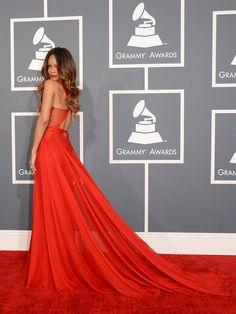 Rihanna Grammy's 2013 - Pieza de Azzedine Alaîa