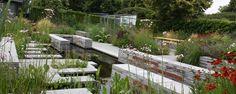 De Groei & Bloei tuin in De Tuinen van Appeltern is een mooi voorbeeld van een originele, natuurlijke tuin! Groei & Bloei en Vara's Vroege Vogels hebben in 2012 de handen ineen geslagen en ontwerpers Carrie Preston (http://www.studiotoop.nl) en Jasper Helmantel (http://www.jasperhelmantel.nl)...
