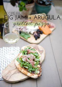 On The Grill: Fig Jam + Arugula Pizza | theglitterguide.com