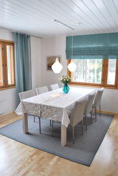 Detaljee+sisustussuunnittelutoimisto+sisustussuunnittelija+sisustus+ruokailutila+valaisin+verhot+Eurokangas+pöytä+scanwood+innolux+sipuli+matto+VM-carpet