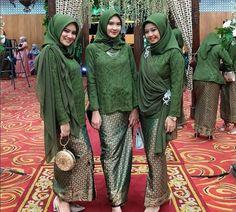 Kebaya Modern Hijab, Model Kebaya Modern, Kebaya Hijab, Kebaya Muslim, Kebaya Lace, Batik Kebaya, Kebaya Dress, Batik Dress, Casual Hijab Outfit