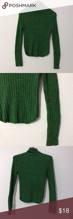 American Eagle marled green 100% cotton turtleneck This gorgeous marled knit green turtleneck from American Eagle is made of 100% cotton. It is in EUC with no holes, rips, or stains. Bundle with other items from my closet for the best deal! American Eagle Outfitters Sweaters Cowl & Turtlenecks