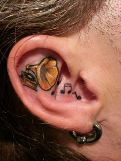 now this is what I call music lover.. respect!