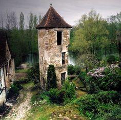 Carennac est l'un des plus beaux villages de France situé à 50 km au Nord-Est de Gourdon  Carennac by Yvan Lemeur