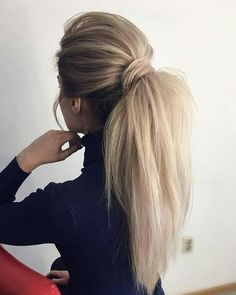 Gorgeous Ponytail Hairstyle Ideas That Will Leave You in FAB Wunderschöne Pferdeschwanz Frisur Ideen Cute Ponytail Hairstyles, Wavy Ponytail, Cute Ponytails, Winter Hairstyles, Pretty Hairstyles, Wedding Hairstyles, Hairstyle Ideas, Ponytail Ideas, Perfect Ponytail