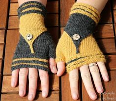 """Fingerless Mittens """"Follow Me"""" knitting pattern from KnitographyByMrsMumpitz by DaWanda.com"""