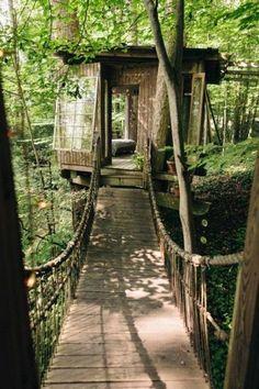 Bridge to bedroom. Photo by Ben Rollins.