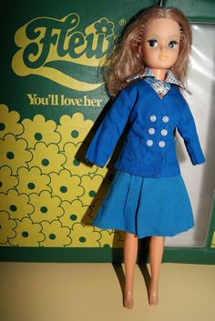 Otto Simon FLEUR redhead Dutch Sindy doll in 1010 KLM outfit 70's