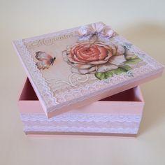 Pin em a Memory box deco Decoupage Box, Decoupage Vintage, Wedding Cards Handmade, Creative Box, Rock Decor, Diy Gift Box, Tea Box, Altered Boxes, Pretty Box