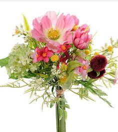 Perfekt i områder som ikke er egnet for levende Planter. Oppholder seg frisk og kul, år etter år. Floral Wreath, Planters, Wreaths, Table Decorations, Home Decor, Decoration Home, Door Wreaths, Room Decor, Plant
