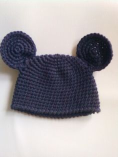 Maddy-moo Minnie Mouse pattern minus the bow Free crochet mickey hat pattern Crochet Baby Hats, Crochet Beanie, Knit Or Crochet, Cute Crochet, Crochet For Kids, Crochet Crafts, Crochet Projects, Knitted Hats, Crochet Mouse