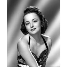 Tribute to one of the most beloved actresses of all time, the beautiful and elegant Olivia de Havilland Old Hollywood Glamour, Golden Age Of Hollywood, Vintage Hollywood, Hollywood Stars, Classic Hollywood, Classic Actresses, Hollywood Actresses, Actors & Actresses, Classic Movies