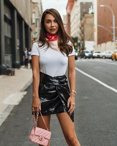 Vinyl Skirt Fashion Trend and Tips Prom Dress Shopping, Online Dress Shopping, Look Fashion, Skirt Fashion, Street Fashion, Tight Dresses, Prom Dresses, Sexy Rock, Rock Outfits