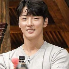 Es bello 💗 #YoonShiYoon Yoon Shi Yoon, Bellisima, Korean, Korean Language