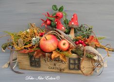 "Arrangement autumn arrangement ""boxes and toadstools"" by Deko-Idee Eolion on DaWangel . Fall Crafts, Halloween Crafts, Christmas Crafts, Diy And Crafts, Pumpkin Arrangements, Flower Arrangements, Fall Home Decor, Autumn Home, Diy Garden Decor"