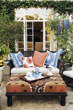 Home Decor Ideas An array of bright colors and patterns can easily make a small patio feel twice the size. Opt for color coordinating designs in both subtle and more robust hues to make your décor pop. Outdoor Patio Designs, Diy Patio, Backyard Patio, Outdoor Decor, Patio Ideas, Outdoor Rooms, Backyard Ideas, Outdoor Living, Garden Ideas