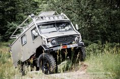 "Unimog 404S, Metz LF8 Expeditionsfahrzeug ~ Miks' Pics ""Unimog 4x4 by Mercedes Benz"" board @ http://www.pinterest.com/msmgish/unimog-4x4-by-mercedes-benz/"