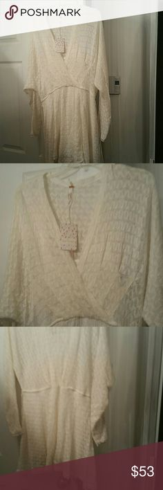 Nwt free people snug bug ivory crochet dress small Beautiful free people crochet dress nwt size small acrylic & nylon ,chest measurement is 20 inches,top to bottom is 33 inches .dress goes to above my knee I'm 5'6 Free People Dresses Mini