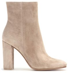 93.00$  Watch now - http://ali3r5.worldwells.pw/go.php?t=32788432568 - High Quality Women Shoes Winter Beige Color Suede Leather Thick High Heel Ankle Boots Women Fashion Party Boots Free Ship