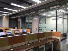 Bunte Glas Trennwände Von 3form Zeigen Spielerischen Charme | Dekoration  Ideeen | Pinterest