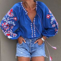 20 Trendy Looks That Will Make You Look Fabulous - Luxe Fashion New Trends Folk Fashion, Ethnic Fashion, Hijab Fashion, Womens Fashion, Cool Outfits, Casual Outfits, Mode Top, Embroidered Clothes, Embroidery Fashion