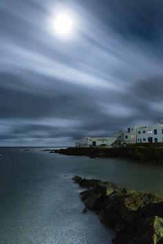 Punta Mujeres a la luz de la Luna