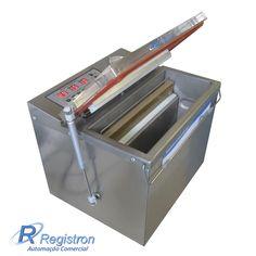 Descrição: Mantenha seus alimentos mais fresquinhos e saborosos por mais tempo. Esta máquina é projetada principalmente para a embalagem de produtos com forma de tijolo: Embala várias formas de produtos (sólido, pó, líquido, em pasta). Apropriada para: carnes, frios, peixes, laticínios, grãos, produtos farmacêuticos, produtos químicos, componentes eletrônicos, dentre outros.  Contato: (11) 2681-3388 Site: http://www.registron.com.br/embaladora-a-vacuo-rg-x1-p456