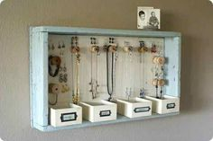 Keeping jewellery organized