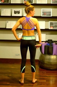 Lululemon yoga pants and sports bra Fall Outfits, Summer Outfits, Casual Outfits, Workout Attire, Workout Bra, Yoga Pilates, Fitness Fashion, Fitness Wear, Athletic Outfits