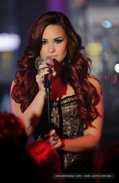 Image uploaded by demetria lovato. Find images and videos about amazing, Queen and demi lovato on We Heart It - the app to get lost in what you love. Divas, Demi Lovato Hair, Queen, Held, Girl Crushes, Her Hair, Beautiful People, You're Beautiful, Absolutely Gorgeous