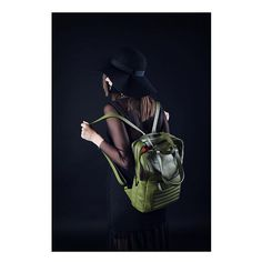 Another day, another nice backpack 🦖🐢🌵  Unisex leather olive green rucksack. By Bagology London