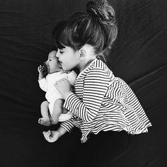 newborn and big sis