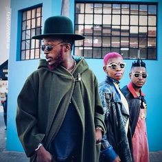 We chat to Maitele Wawe of the Fashion Rebels about street style and trends, and learn about how young creatives are using fashion to shape new identities. Hipster Grunge, Grunge Goth, African Inspired Fashion, African Fashion, Over The Top, African Street Style, Rockabilly, Street Style Vintage, Unique Fashion